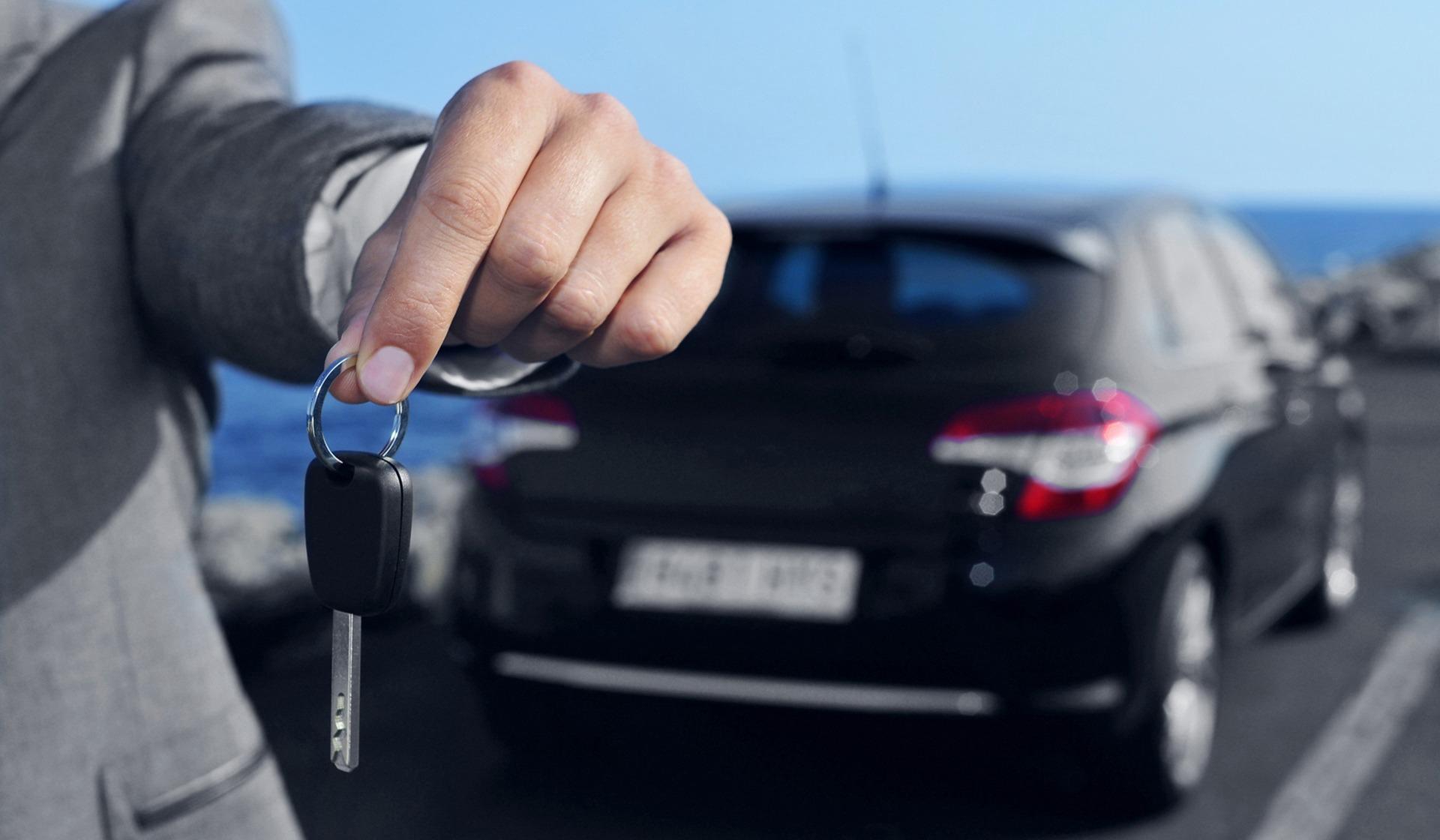 Стоит ли брать машину в аренду в Греции?